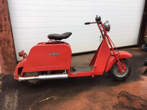 1950 Cushman 811.94261 Red photo