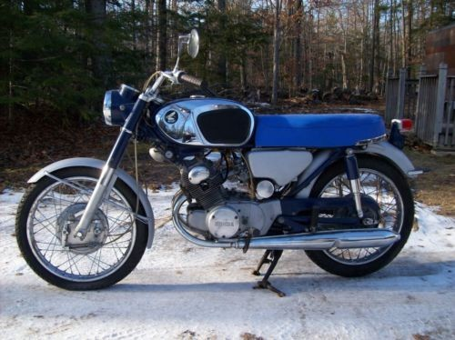 1967 Honda CB Blue photo