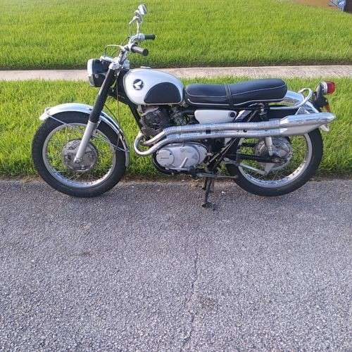 1968 Honda CL Black photo