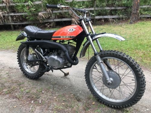 1970 Suzuki TS250 Orange photo