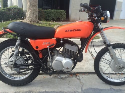 1971 Kawasaki F8 Orange photo