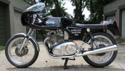 1971 Norton Dunstall Black photo