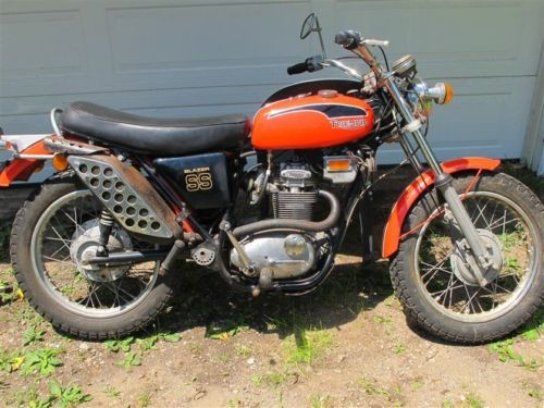 1971 Triumph Trophy Red photo