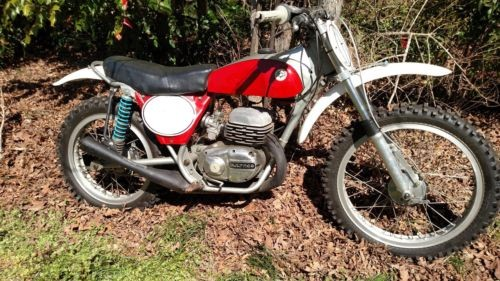 1972 Bultaco pursang red/silver photo