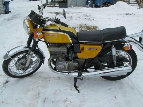 1972 Suzuki GT550 INDY Aztec Gold photo