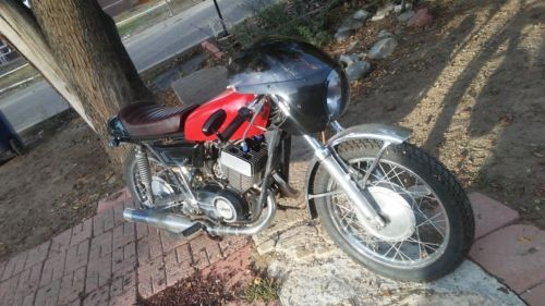 1972 Yamaha DS7 Red photo