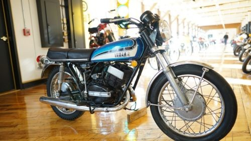 1973 Yamaha RD250 Blue photo