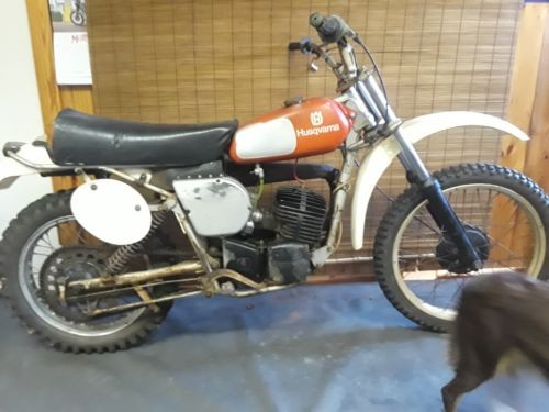 1976 Husqvarna CR250 Orange photo