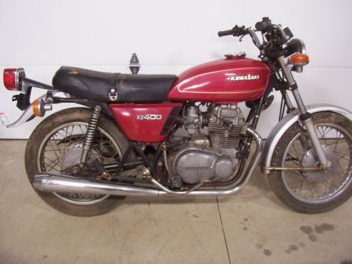 1976 Kawasaki KZ 400 red photo