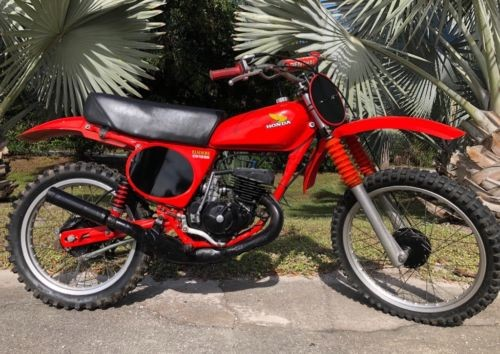 1977 Honda CR Red photo