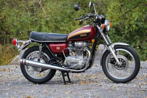 1977 Yamaha XS Red photo