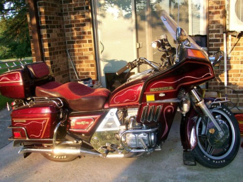 1982 Honda Gold Wing Burgundy photo