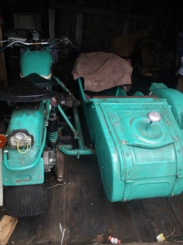 1982 Ural M 67-36 Green photo