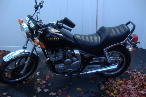 1982 Yamaha xj550 Black photo