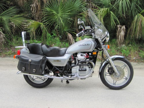 1983 Honda Gold Wing Silver photo