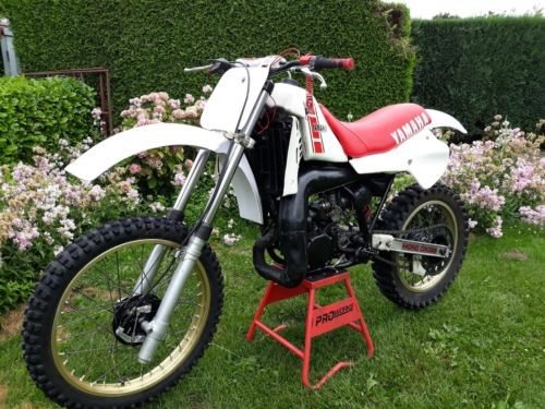 1983 Yamaha YZ White photo