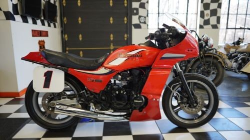 1984 Kawasaki GPZ 550 ZX550A1 GPZ RED photo