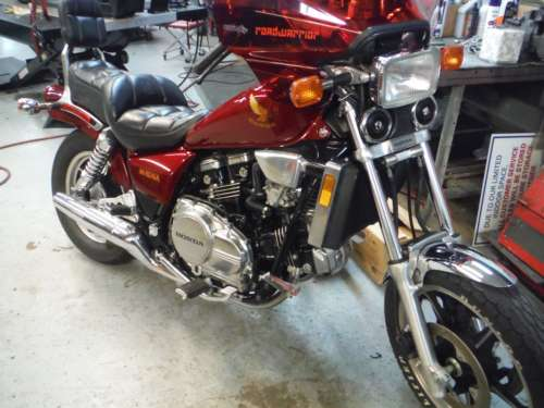 1985 Honda Magna Red photo