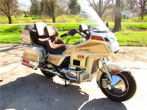 1986 Honda Gold Wing Aspencade Creme for sale