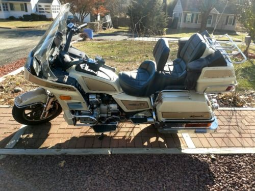 1986 Honda Gold Wing Gold photo