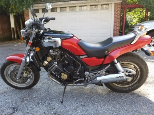 1986 Yamaha FZX 700 Red photo
