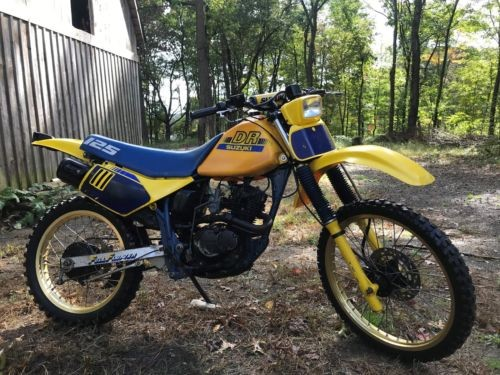 1988 Suzuki DR Yellow photo