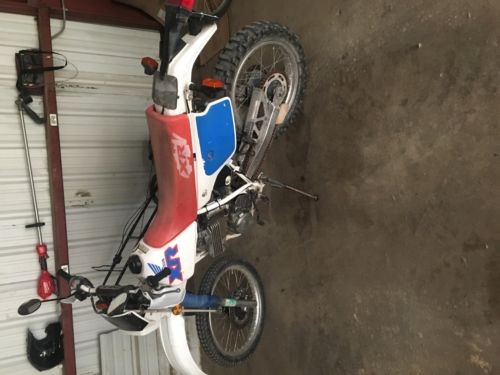 1991 Honda XR White photo