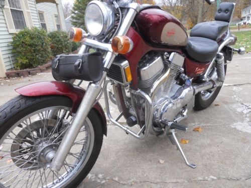 1993 Suzuki Intruder Red photo