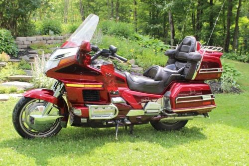 1995 Honda Gold Wing Red photo
