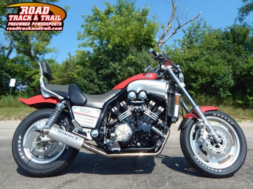 1995 Yamaha V-MAX 1200 -- Red photo