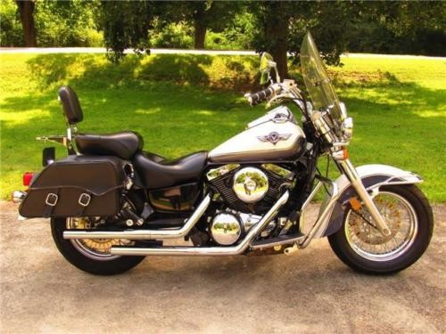 1996 Kawasaki Vulcan -- White photo
