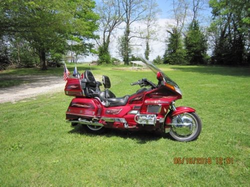 1997 Honda Gold Wing Candy Spectra Red photo