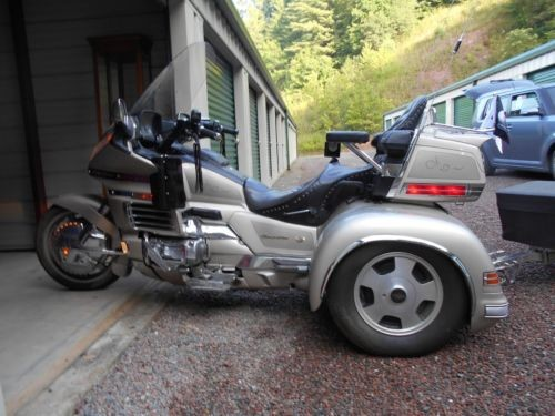 1998 Honda Gold Wing Gold for sale