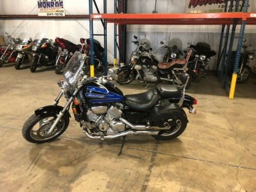 1998 Honda Magna Black/Blue photo