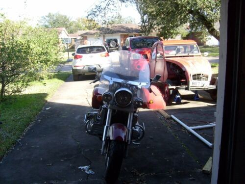 1998 Honda Valkyrie Red / white photo