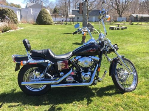 1999 Harley-Davidson Dyna Black photo