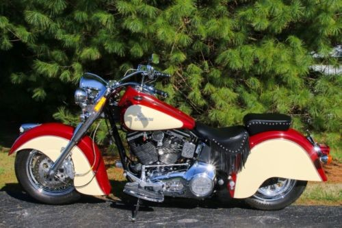 1999 Indian Chief Red and white photo