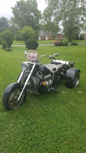2000 Custom Built Motorcycles Boss Hoss Black photo