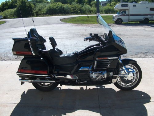 2000 Honda Gold Wing Black photo