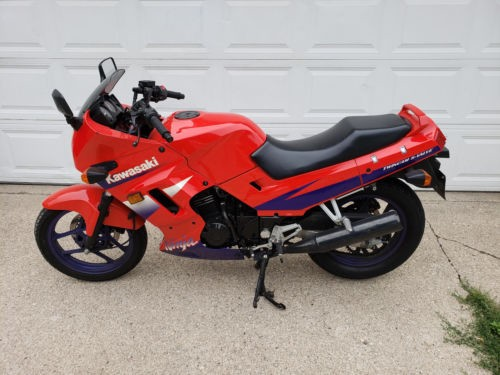 2000 Kawasaki Ninja Red photo