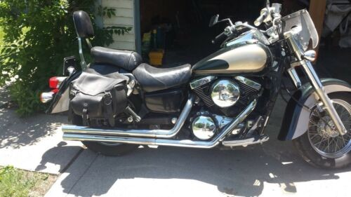 2000 Kawasaki Vulcan Forest Green and Gold photo
