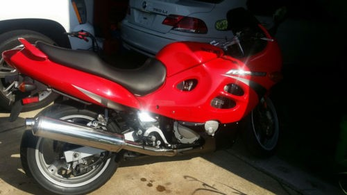 2000 Suzuki Katana Red photo