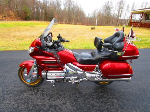 2001 Honda Gold Wing Illusion Red photo