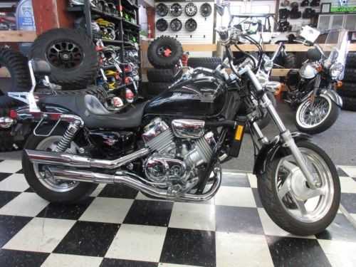2001 Honda Magna -- Black photo