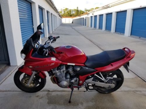 2001 Suzuki Bandit Red photo