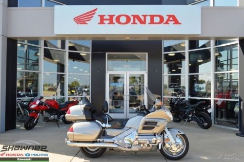 2002 Honda Gold Wing TITANIUM photo
