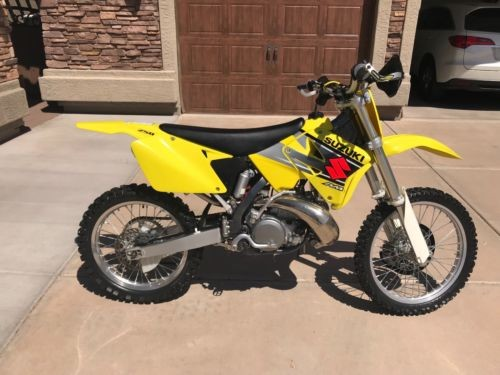 2002 Suzuki SUZUKI RM 250 Yellow photo