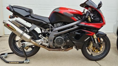 2003 Aprilia SL1000 Falco Red photo