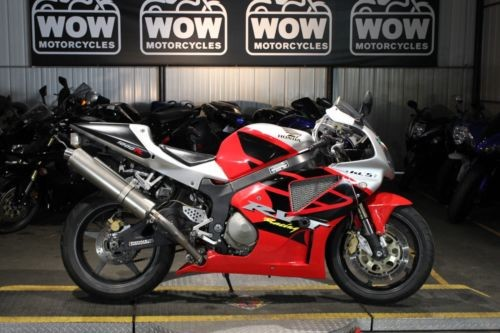 2003 Honda RC51 RED AND SILVER photo