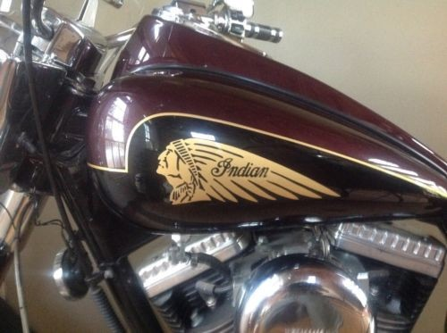2003 Indian Chief Deluxe Burgundy photo